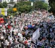 ENDONEZYA'DA 'İSLAM'A HAKARET'E TEPKİ PROTESTOSU