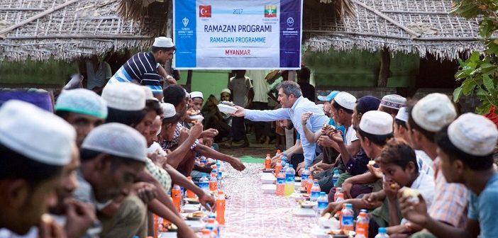 Türkiye Ramazan'da Da Arakanlılara Yardım Eli Uzatacak