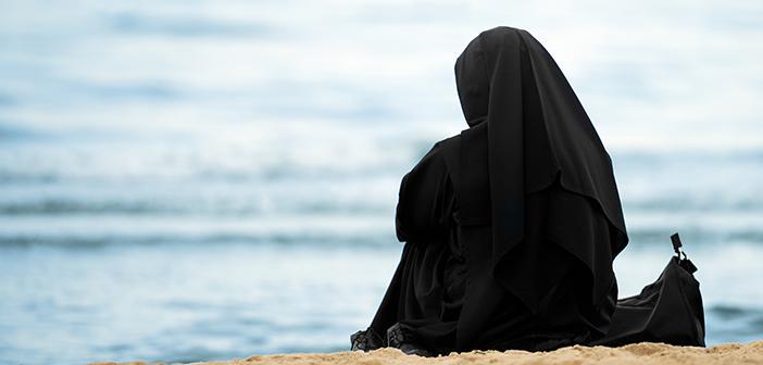 Kadınlardan Gelen Beyaz Akıntı Abdesti Bozar mı?