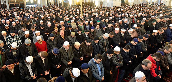 https://www.islamveihsan.com/wp-content/uploads/2020/02/bazi-namazlar-neden-sesli-okunur-171400.jpg