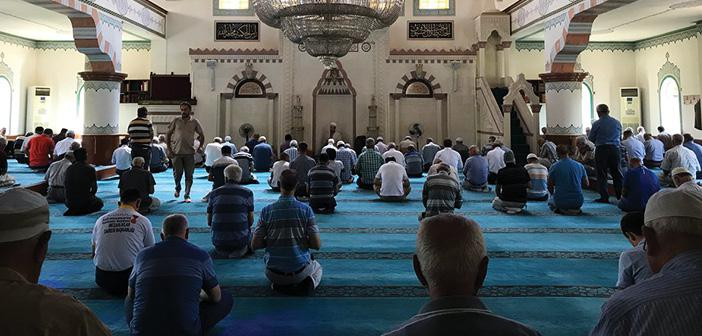 https://www.islamveihsan.com/wp-content/uploads/2020/07/namazi-terk-etmenin-hukmu-173155.jpg