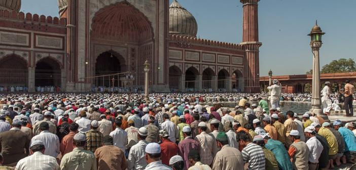 https://www.islamveihsan.com/wp-content/uploads/2020/08/baska-mezhepten-imamin-arkasinda-namaz-kilinir-mi-173311.jpg