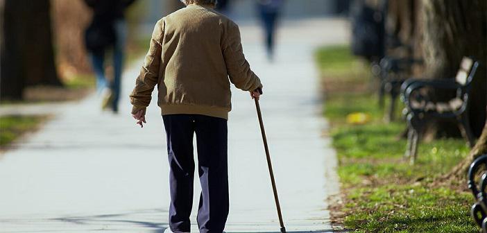 Yaşlılar Neden Sık Düşer?