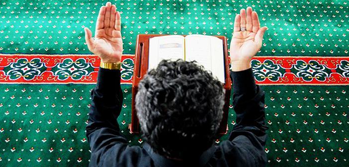 Müminler Sadece Allah'a Tevekkül Etsinler