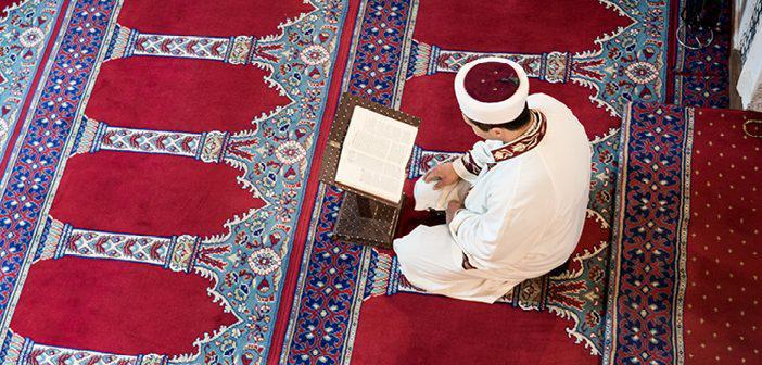 https://www.islamveihsan.com/wp-content/uploads/2021/03/nisa-suresi-31-ayet-meali-arapca-yazilisi-anlami-ve-tefsiri.jpg