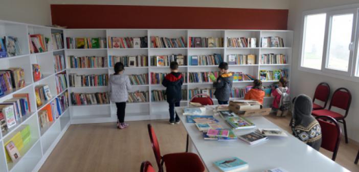 Sosyal Medyadan Çağrı Yapan Köy Muhtarı 5 Bin Kitaplık Kütüphane Kurdu