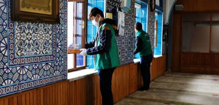 Camilerde Gönüllü Temizlik