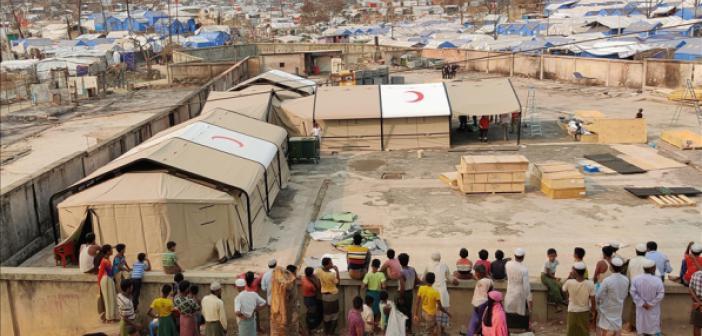 Türkiye, Bangladeş'te Mülteci Kampındaki Sahra Hastanesini Yeniden İnşa Ediyor