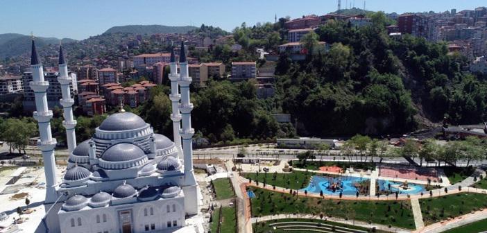 Uzun Mehmet Camiî İbadete Açıldı