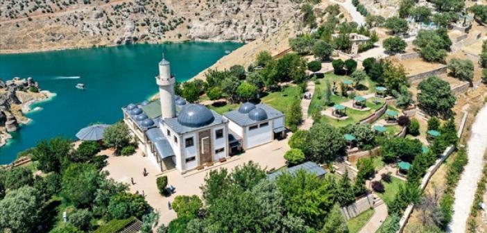 Peygamberler Diyarı 'Eğil' Ziyaretçi Akınına Uğradı