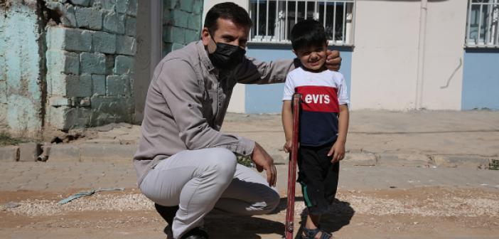 Suriyeli Muhammed Protez Bacakla Hayata Tutunacak